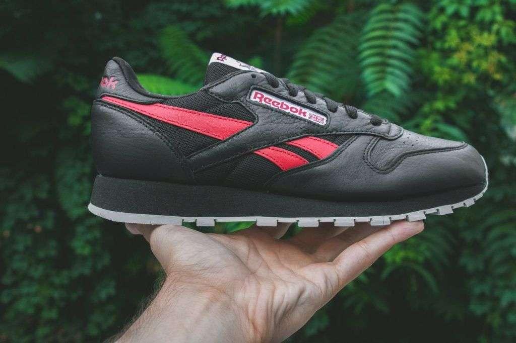 70d64994 Classic Leather, эх, не знаем как вам, но при упоминании бренда Reebok,  именно эти кроссовки всплывают в нашем воображении. Несколько лет назад  модели ...