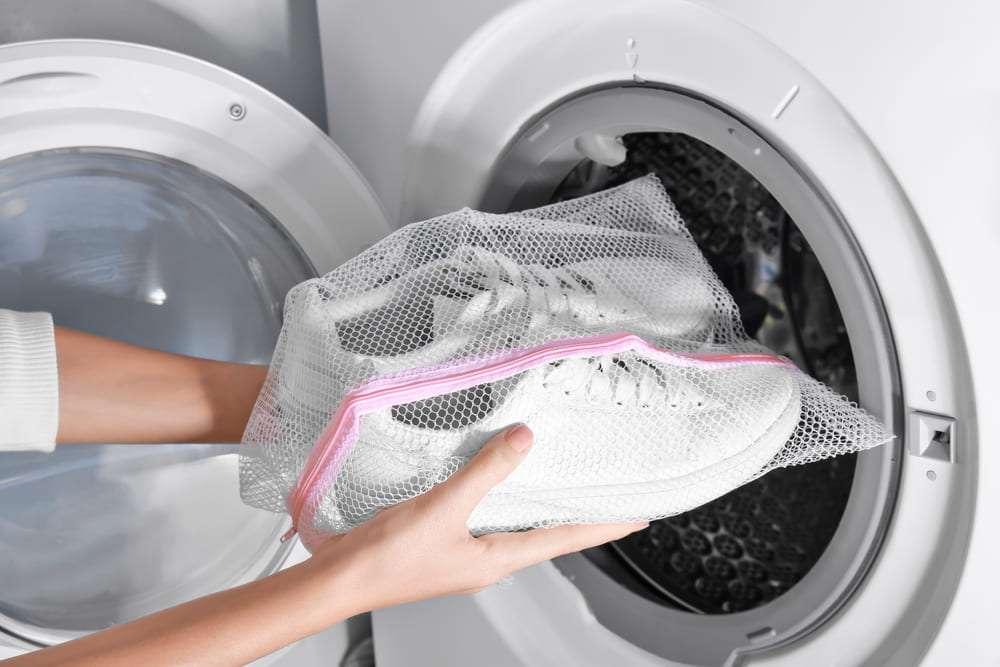 Какие именно кроссовки можно постирать в машинке.jpg